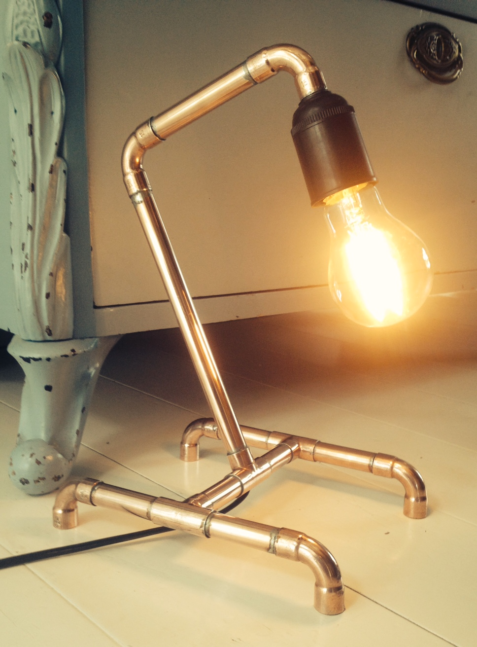 Click image for larger version  Name:copper lamp 2.jpg Views:113 Size:339.6 KB ID:197426